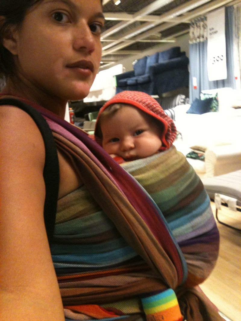 rose homme, rosie poise baby, garisol woven amitola, front wrap cross carry, Ikea baby wearing, babywearing